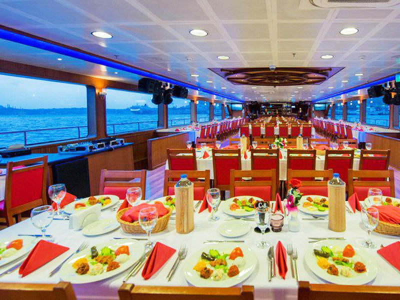 Istanbul Bosphorus Dinner Cruise and Turkish Night Show